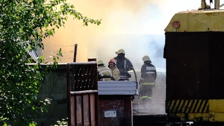 В Перми загорелся шпалопропиточный завод, который находится рядом с ТЭЦ-9