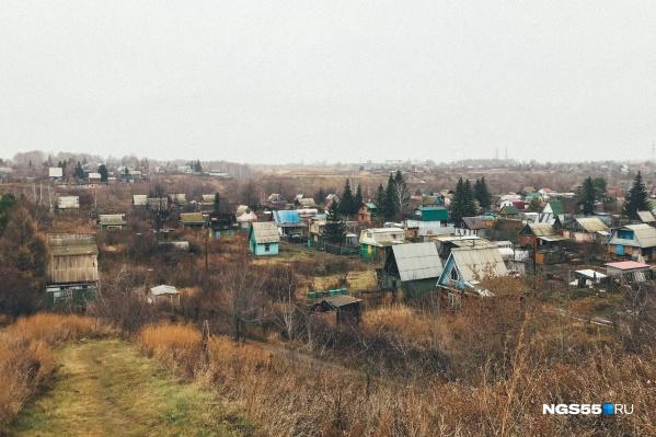 В МЧС просят убрать с крыш домов вещи, которые может сдуть ветер