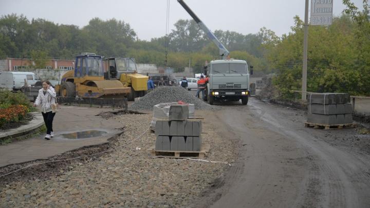 В Омске расширят дорогу у Фрунзенского моста