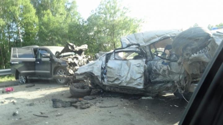 В аварии на трассе Пермь — Екатеринбург погибли пять пермяков. Среди них — трое детей