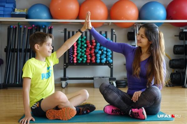 Алина уверена: вдохновлять ребенка на спорт лучше на собственном примере