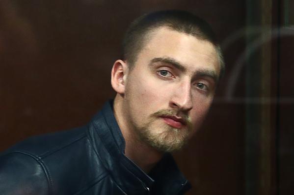 В начале недели актер Павел Устинов получил 3,5 года колонии