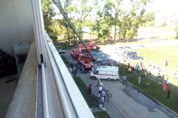 Из дома эвакуировали 23 человека