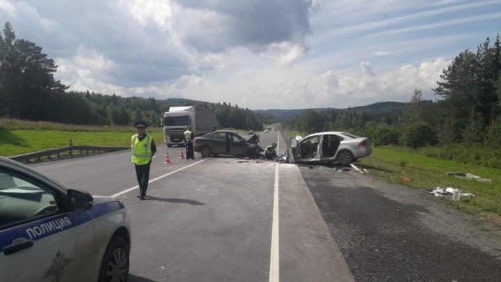 В лобовом ДТП на трассе Пермь — Екатеринбург погибли два человека