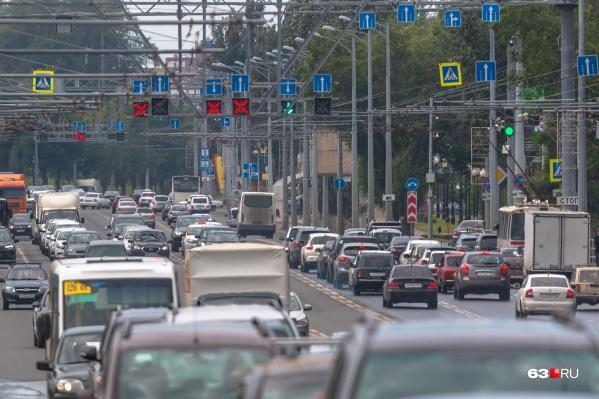 Больше всего стресса у людей на работе, но выплескивают они его по дороге домой в пробках