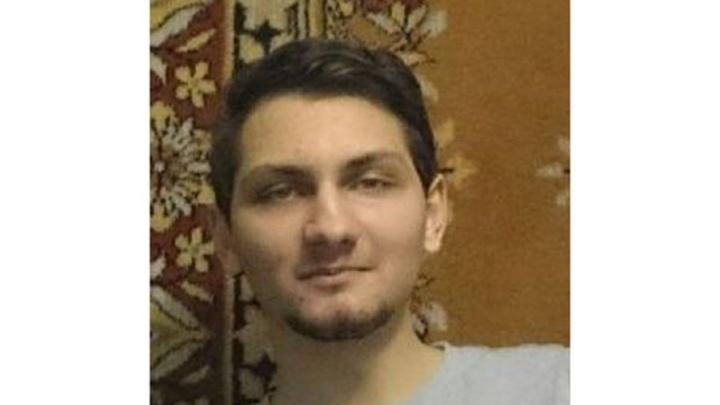 В Новосибирске ищут студента с необычным шрамом