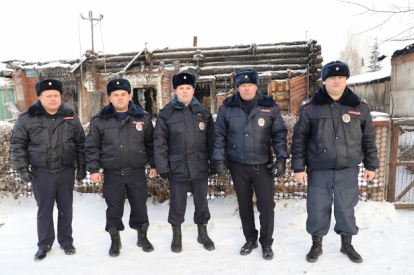 Евгений Новицкий, Евгений Некрасов, Александр Рахманов, Александр Шумаков и Виталий Волков заметили пожар во время патрулирования