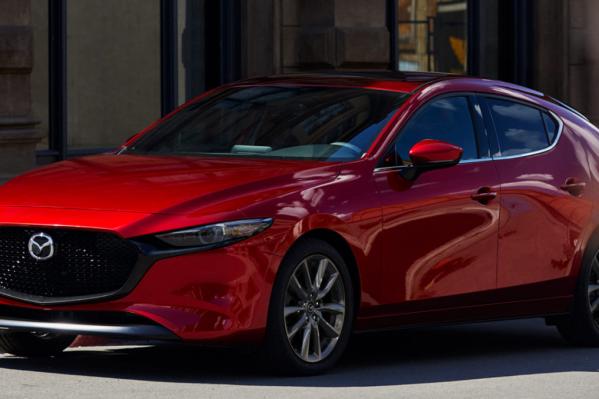 Mazda 3 стоит 1,5 миллиона с механикой