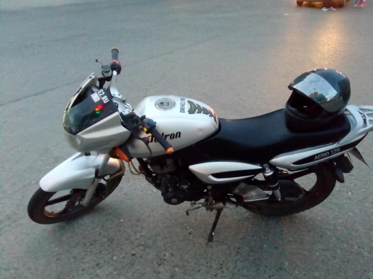 На мотоциклисте был только шлем и не было другой защитной экипировки