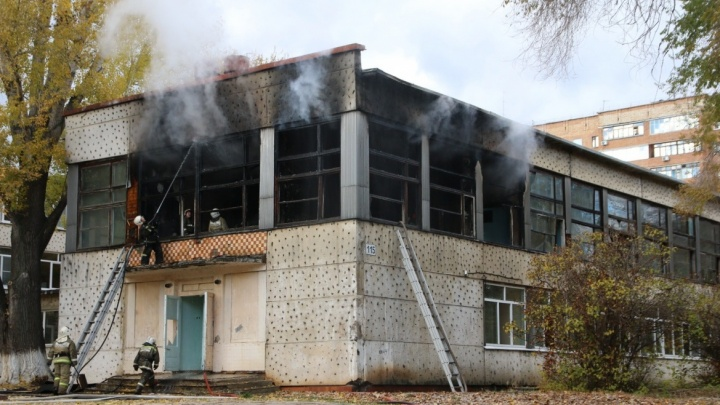 Сгоревшее крыло школы на Мориса Тореза отремонтируют до конца года