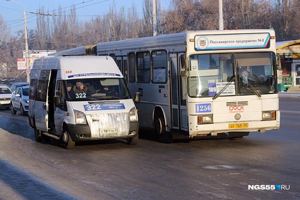 Маршрутную сеть в Омске будут перекраивать больше года
