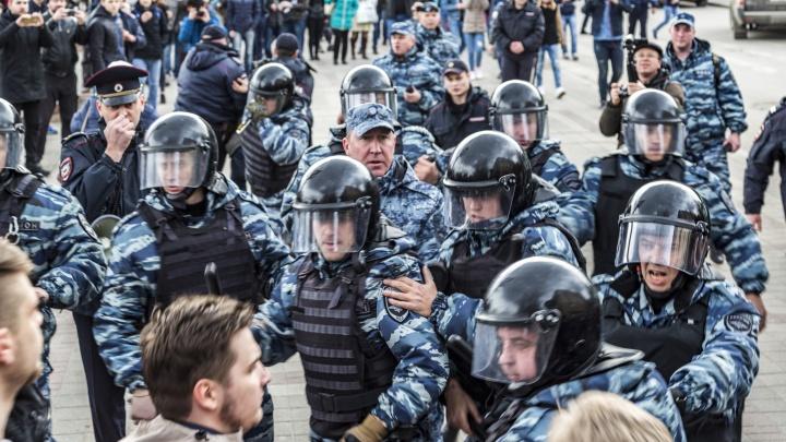 «Догонялки с полицией, аресты и ОМОН»: с первого незаконного шествия в Волгограде прошло два года
