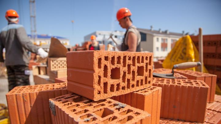 Два месяца рабства: в Архангельске строительная фирма задолжала работникам больше 150 тысяч рублей