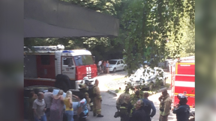 Жителей ростовской многоэтажки эвакуировали из-за утечки газа