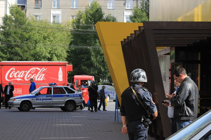 «Голос мерзкий, как в фильмах ужасов»: кто, как и зачем устроил массовую эвакуацию в Новосибирске