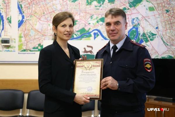 Ильнур Садыков не так давно наградил сотрудников UFA1.RU«за плодотворную и пропагандистскую работу по безопасности дорожного движения»