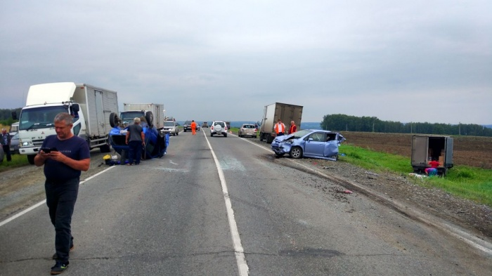 Массовая авария произошла днём 31 июля на трассе в Тогучинском районе Новосибирской области