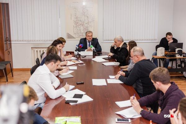 На пресс-конференции министр транспорта Пермского края Николай Уханов подвёл итоги 2018 года и рассказал о планах на будущее