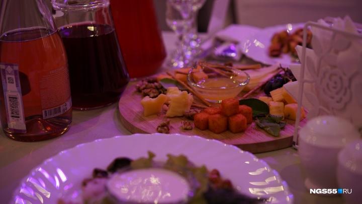 Рыба-игла, суп из батата и каре ягненка: стало известно, чем кормили Путина и Токаева в Омске
