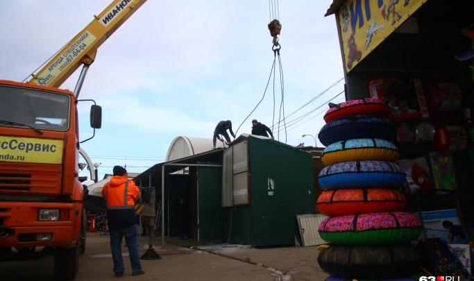 На Кировском рынке снесут незаконную трансформаторную будку