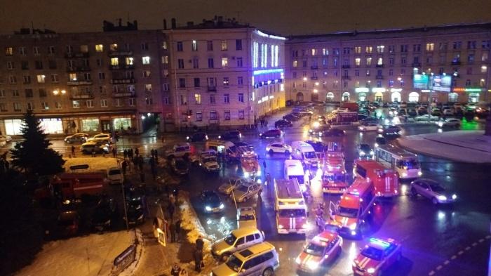 Из здания были эвакуированы 70 человек