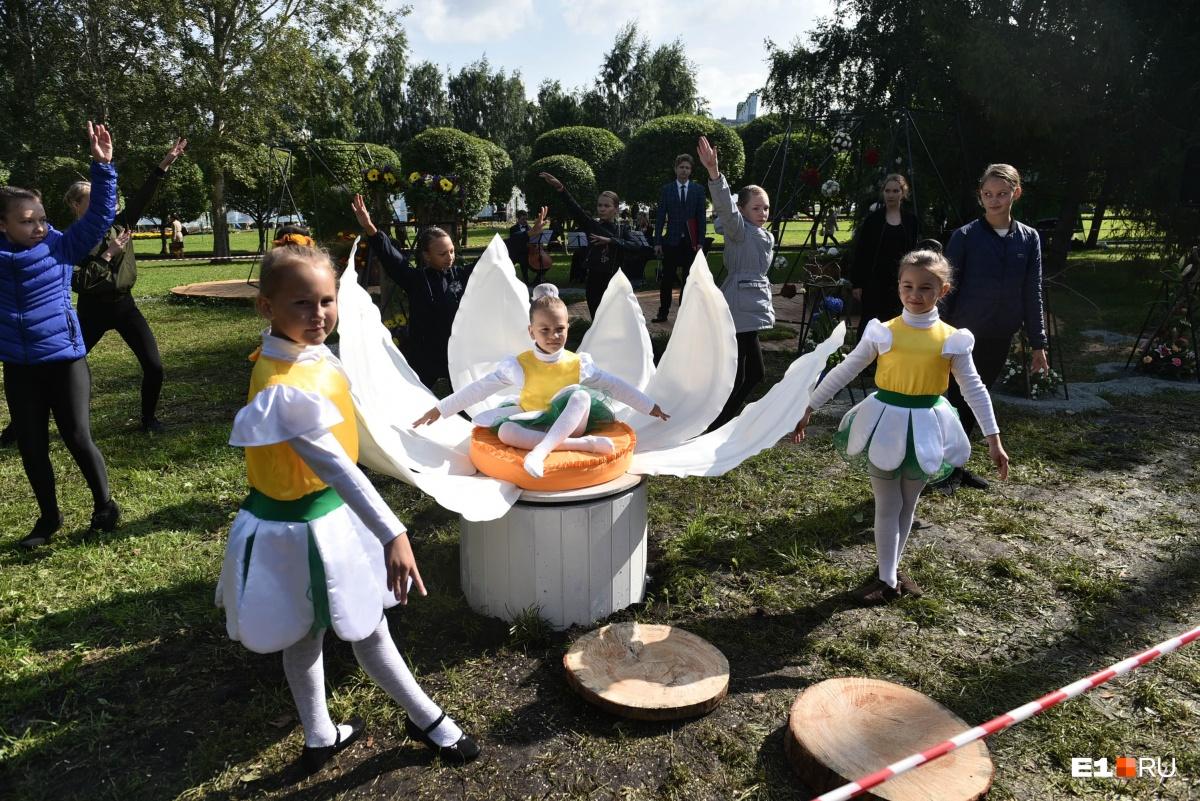 В ЦПКиО работали гастрономический фестиваль«Вкусный город» и этнографический музей«Русская изба»