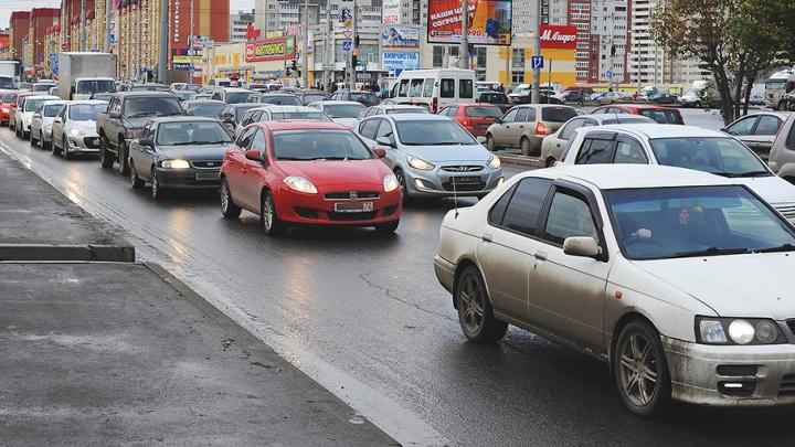 Молодой лихач наMercedes накопил 123 штрафа за нарушения ПДД на улицах Тюмени