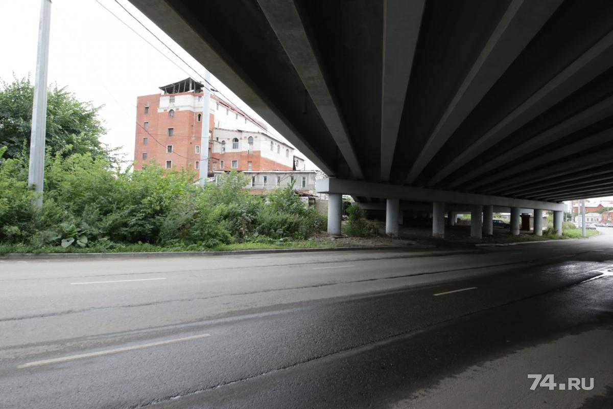 Грузинский центр не мешает строительству развязки. Если суд встанет на сторону владельцев, здание должны будут достроить