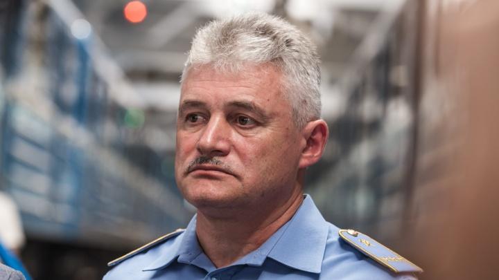 Бунт в подземелье: работники метро требуют уволить начальника — генерал-майора ФСБ
