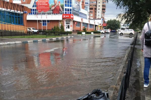 Похоже, в Омске вчера появилась новая река