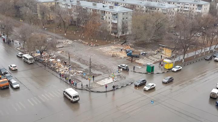 Остались одни «табачки»: территорию под бывшим рынком на Авроре сняли с воздуха