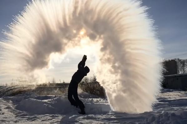 Арка из кристаллов льда смотрится очень круто