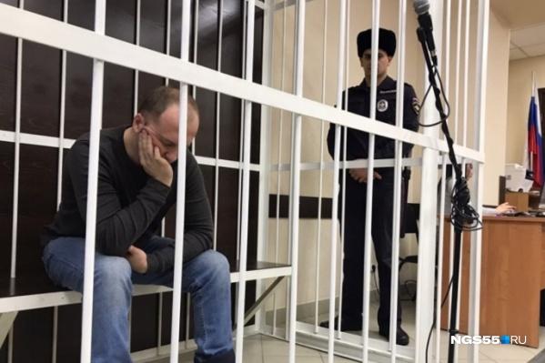 Сергей Казаков сейчас находится в СИЗО, а его сожительница — Алина Юмашева, продолжает жить с сыном