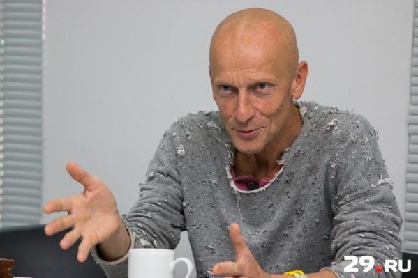 Антон Адасинский — основатель и художественный руководитель авторского театра DEREVO