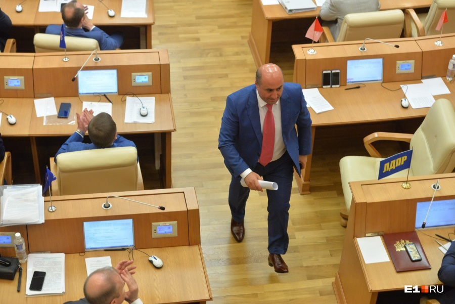 Армен Карапетян подал всуд насвердловское Заксобрание, лишившее его мандата