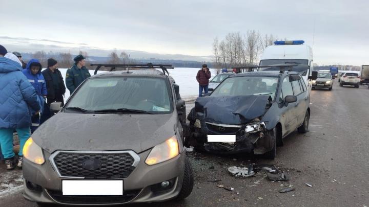 Под Уфой в ДТП с Mazda и Datsun пострадала 6-летняя девочка