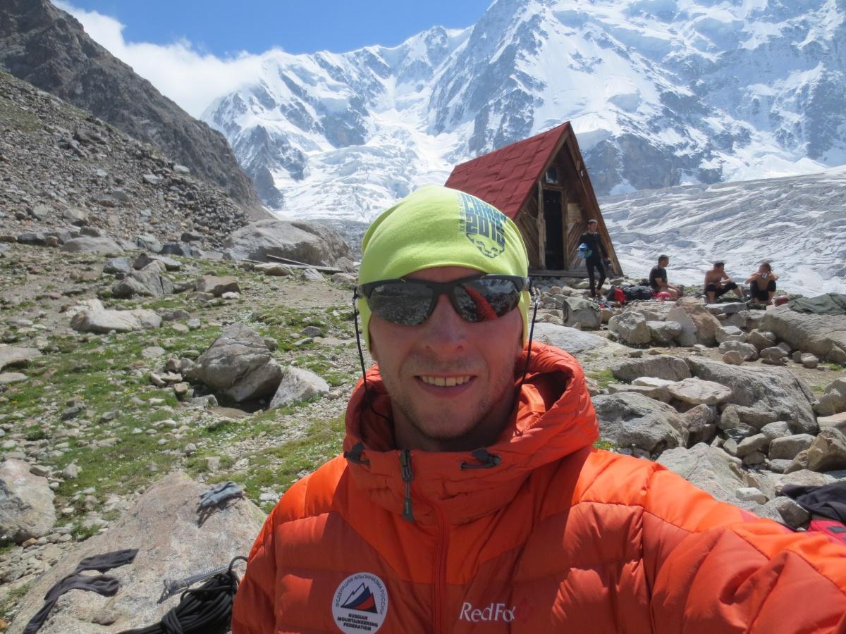Евгений Когут —инструктор-методист по альпинизму 3-й категории, мастер спорта России по альпинизму