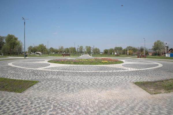 Территорию, на которой появится парк, разделили на два участка
