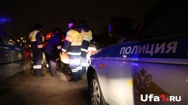 На трассе в Башкирии перевернулась легковушка: погиб человек