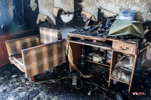 В квартире сгорели две пожилые женщины