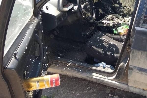 Баллон с монтажной пеной взорвался в закрытой машине