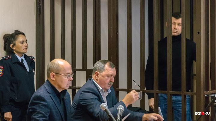 «Деньги клали в коробку для сигар»: водители Дмитрия Сазонова раскрыли схему передачи взяток