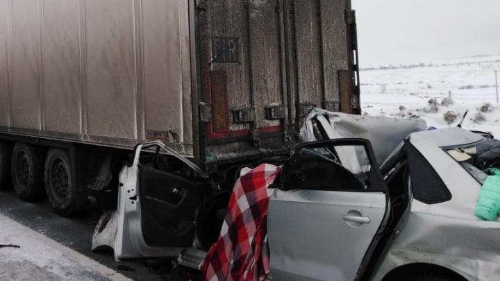 Ребенок остался сиротой в смертельной аварии на трассе в Башкирии, видео