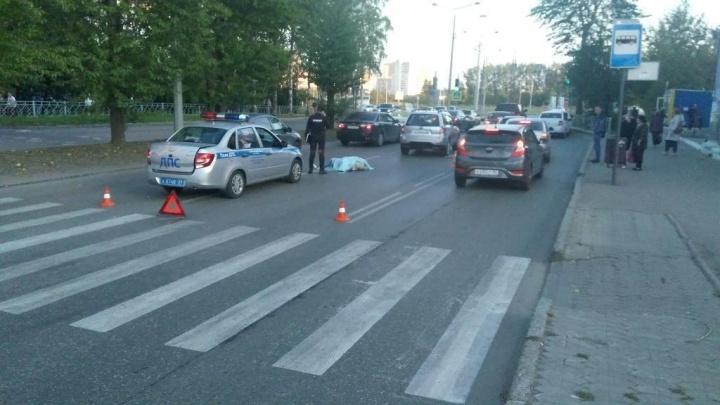 В Перми иномарка сбила двух пешеходов: один человек погиб