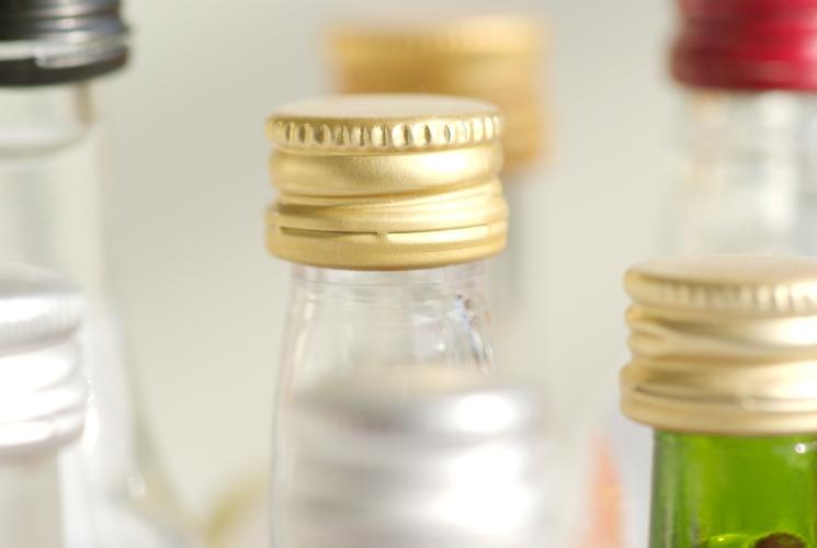 Три ящика поддельного спиртного изъяли измагазина пряжи вКемерово, возбуждено дело