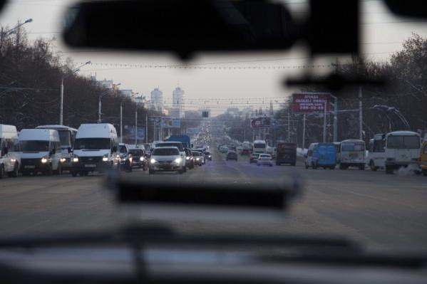 Автомобилисты столкнулись с проблемами на проспекте Октября