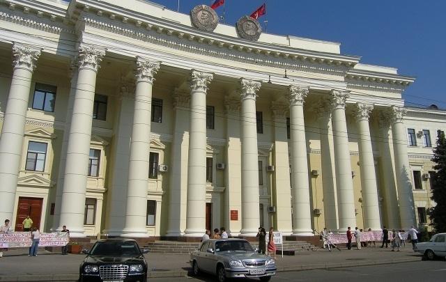 В администрацию Волгоградской области пригнали дюжину новых ToyotaCamry