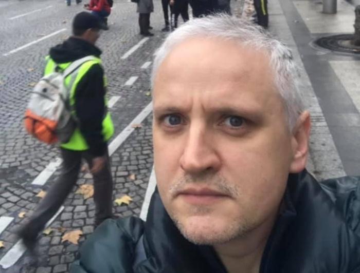На акцию протеста в Париже вышли около 100 тысяч человек в жилетах салатового цвета