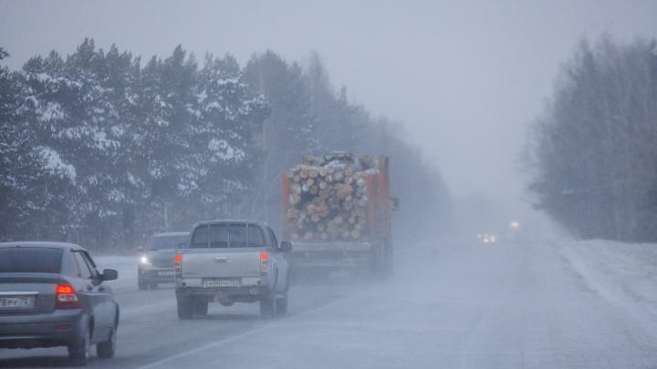 Пьяный водитель, опасный обгон и кювет. На трассе Тюмень-Ханты-Мансийск за два дня произошло три ДТП