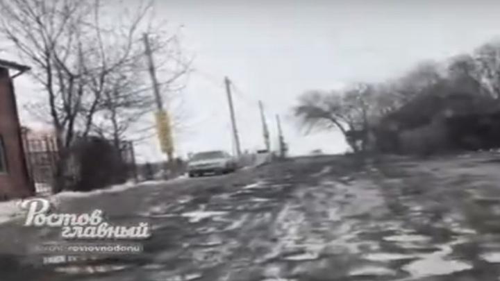 «Кто-то бабки себе отмыл и в карман положил»: после ремонта дороги в Ростове остались сплошные ямы